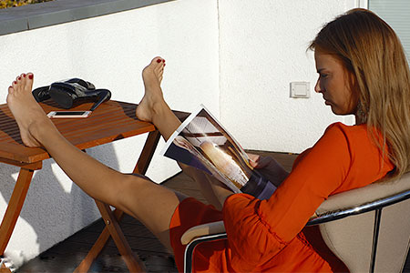small preview pic number 1 from set 2523 showing Allyoucanfeet model Claire