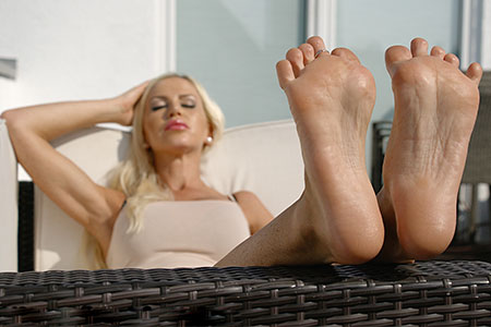 small preview pic number 6 from set 2527 showing Allyoucanfeet model Leyla