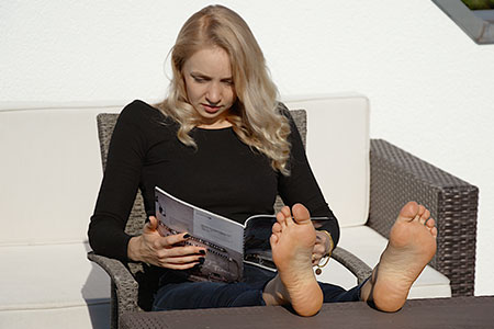 small preview pic number 5 from set 2530 showing Allyoucanfeet model Emilia