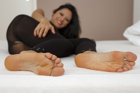 small preview pic number 5 from set 2532 showing Allyoucanfeet model Becky