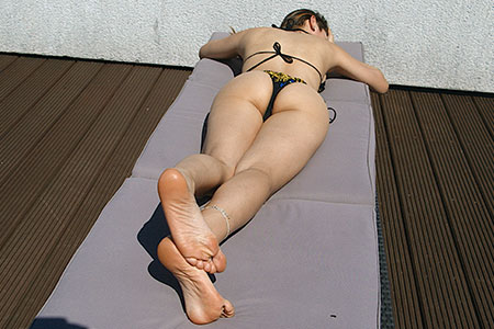 small preview pic number 2 from set 2533 showing Allyoucanfeet model Becky