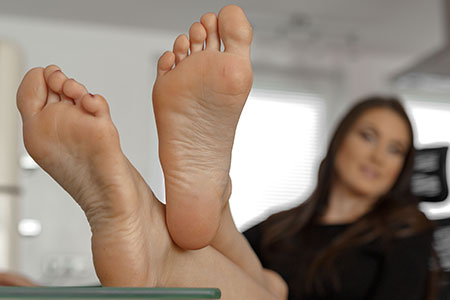 small preview pic number 5 from set 2535 showing Allyoucanfeet model Avery