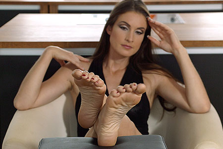 small preview pic number 5 from set 2536 showing Allyoucanfeet model Avery