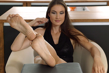 small preview pic number 6 from set 2536 showing Allyoucanfeet model Avery