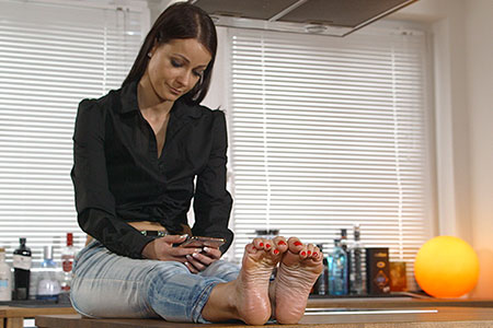 small preview pic number 1 from set 2538 showing Allyoucanfeet model Victoria