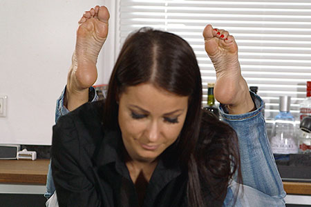 small preview pic number 2 from set 2538 showing Allyoucanfeet model Victoria