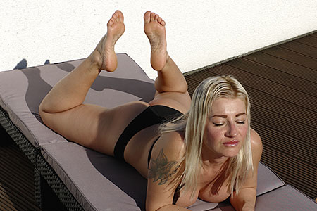 small preview pic number 5 from set 2541 showing Allyoucanfeet model Kissi