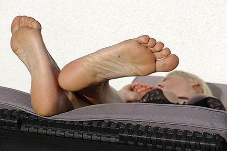 small preview pic number 6 from set 2541 showing Allyoucanfeet model Kissi