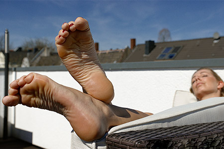 small preview pic number 6 from set 2546 showing Allyoucanfeet model Tanya