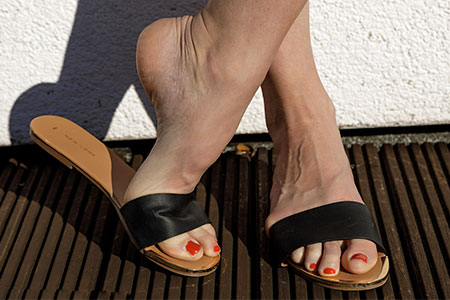 small preview pic number 1 from set 2547 showing Allyoucanfeet model Ariel - New Model