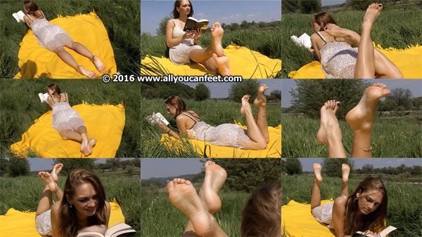 bigger preview pic from set 681 showing Allyoucanfeet model Tara