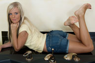 small preview pic number 4 from set 690 showing Allyoucanfeet model Jolina