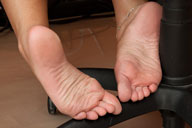 small preview pic number 4 from set 726 showing Allyoucanfeet model Agnes