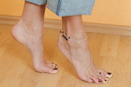 small preview pic number 4 from set 917 showing Allyoucanfeet model Caro
