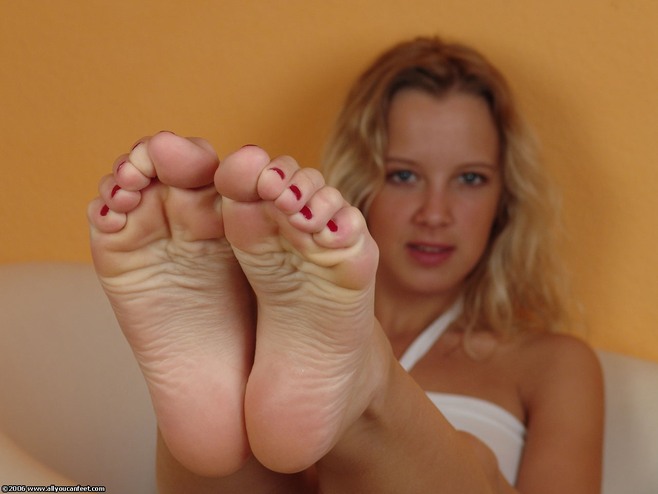 image Feet lovers click here